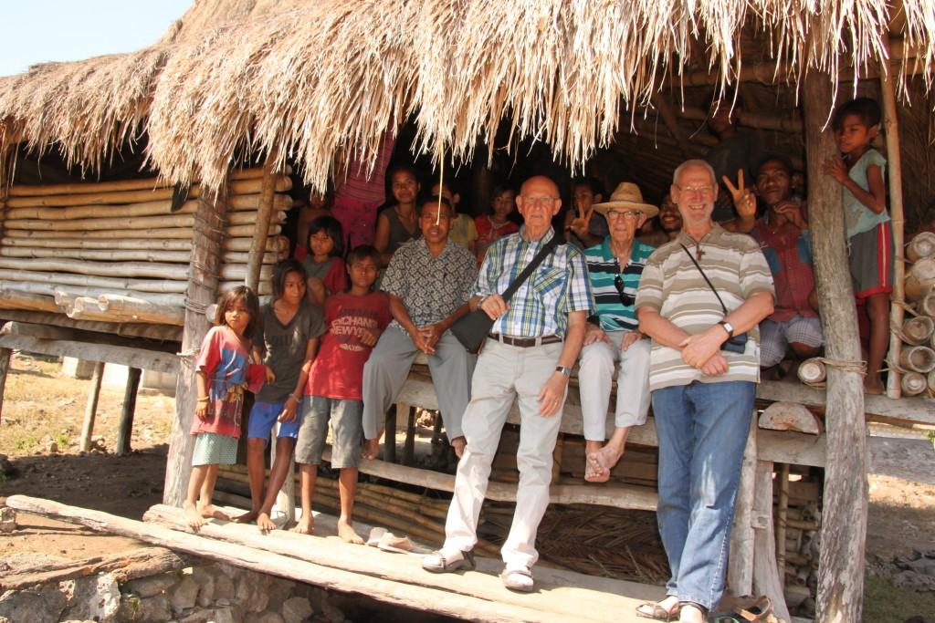 Op bezoek bij een traditioneel huis  van Sumba