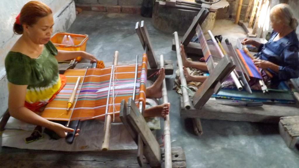 Weven van kains in Pringsela
